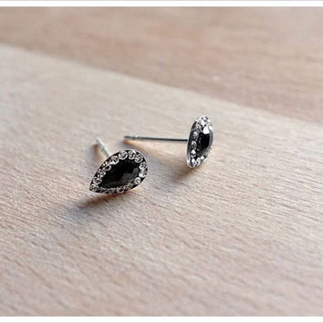 Pear Shaped Stud Earrings - Black Agate Stud Earrings with CZ - Sterling Silver Studs - Simple Minimalist Everyday Jewelry LITTIONARY