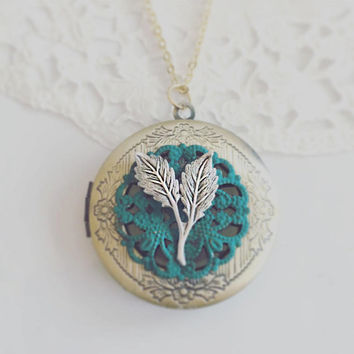 Silver Leaf Locket Necklace Teal Wedding Custom Color Locket Personalised Initial Necklace Round Locket Gift Necklace Name Jewellery