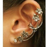 Classic Retro Flower Ear Clip Ear Stud Earring Gothic Earring Puck Rock Earring 1 Piece Antique Brass Color