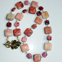Pink Flower Stone and Agate Beaded Necklace with Pearls