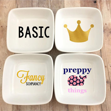 Personalized White Porcelian Ring Dish, Jewerly Dish, Princess Crown, Whale, Preppy Whale, Basic, Crown, Fancy, Fancy Schmancy