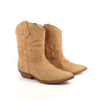 Brown Cowboy Boots Vintage 1980s Tan Natural Carmel Dingo Boots Women's size 6