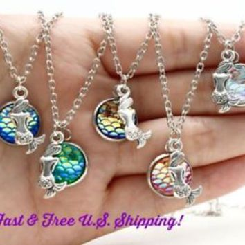 Mermaid Necklace Womens Holographic Pendant Scale Rainbow Chain Fashion Jewelry
