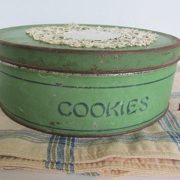 Farmhouse Rustic Primitive Tin Cookie Tin Container Primitive Green Jadeite Green Decor Cookie Jar Antique Rustic Decor Cookie Pan Display