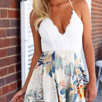 White Lace Floral Print Spaghetti Strap Backless Dress