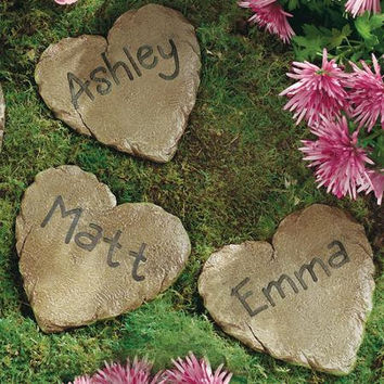 Heart-Shaped-Personalized-Garden-Stepping-Stone-Memorial-Place-Marker