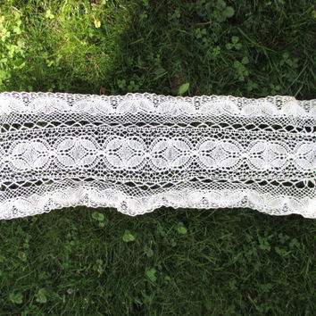 Vintage Crocheted Dresser Scarf Shabby Chic