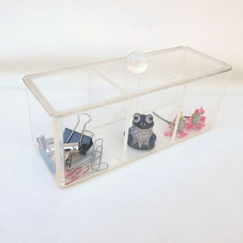 Vintage Lucite Box / Acrylic Storage Lidded Box / Bathroom Organizer / Display Case