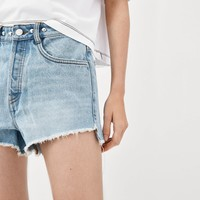 STUDDED DENIM SHORTSDETAILS