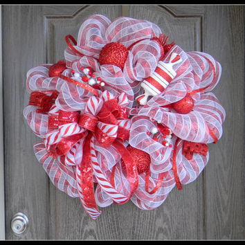 Red and White DECO Mesh Christmas Wreath, Candy Cane Christmas Wreath