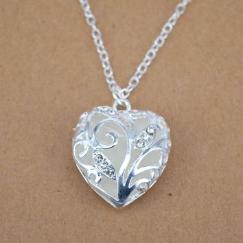 Love Heart Tree of Life Glow in the Dark Pendant Necklace