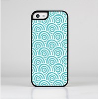 The Aqua Blue & White Swirls Skin-Sert for the Apple iPhone 5c Skin-Sert Case