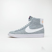 Nike Wmns Blazer Mid VNTG LIB QS | Caliroots - The Californian Twist of Lifestyle and Culture