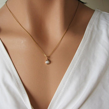 14k gold pearl pendant,  delicate white pearl necklace,  freshwater pearl,   tiny pearl necklace, solid 14k gold, Bridal jewelry, handmade