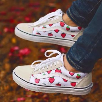 vans old skool strawberry pattern low top sneaker