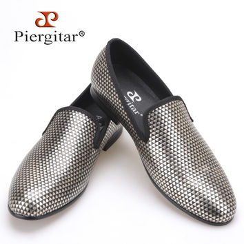 three color loafer executed in nubuck with an embossed rubber print Boasting effect men handmade dress shoes