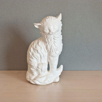 Vintage White Cat Statue, Turkish Angora, Ceramic Fluffy Cat Figurine, Made in Japan