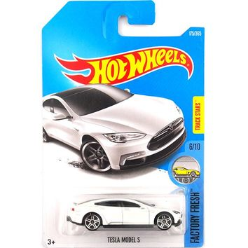 New 2017 Hot Wheels 1:64 White Tesla Models S Metal Diecast Cars Kids Toys Vehicle For Children Models
