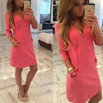 Casual Rose Carmine Plain Rhinestone Appliques V-neck Fashion Mini Dress