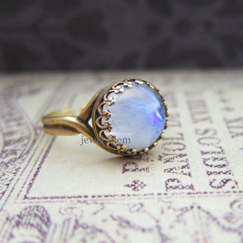 Moon Ring Gem Moonstone Opal Ring Blue White Ombre Sheen Exotic Gemstone Modern Jewelry Bridesmaid Gift Maid of Honor Preppy Gift Friendship