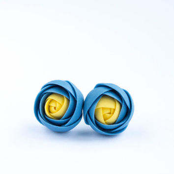 Blue yellow (Ukrainian flag) flower earrings, flower stud earrings, peach, Ranunculus stud earrings