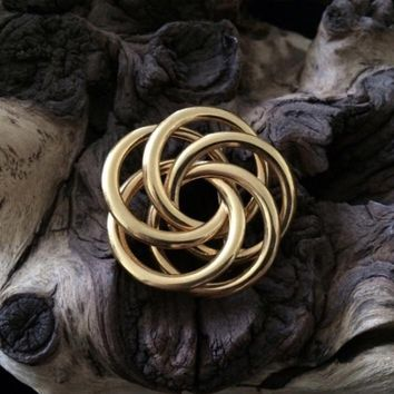 """NAPIER Signed Vintage Gold Tone Knot 1.5"""" Pin Brooch"""