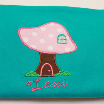 Mushroom T-Shirt / Mushroom Shirt / Mushroom Outfit / Baby Shirt / Toddler Shirt / Personalized Shirt / Mushroom Applique / Custom Shirt