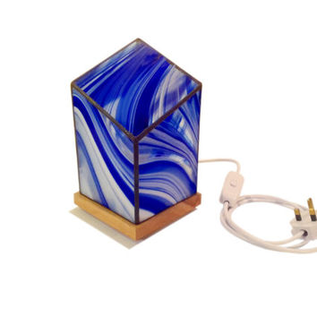 Stained Glass Lamp for Table, Bedside or Mantelpiece - 25W - 14cm x 25cm