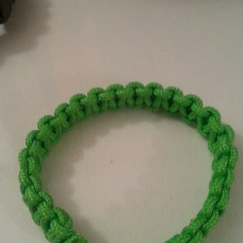Green paracord parachute cord 550/325 bracelet with survival buckle or regular buckle