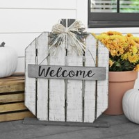 White Welcome Wood Plank Pumpkin Statue
