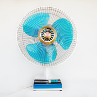 Techie Japanese Vintage Electric Fan / Table Fan / Desk Fan Ventilator KDK, 60's 70's Japanese White & Blue