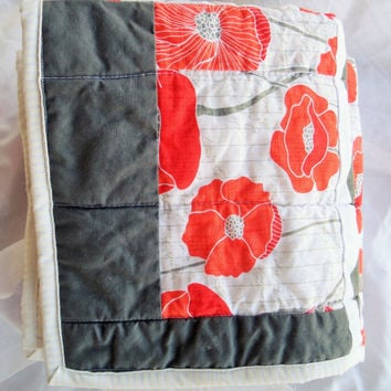 Baby quilt - Poppy - Chevron - Girl - Crib - Modern - Bedding - Blanket - Homemade - New baby - Gift