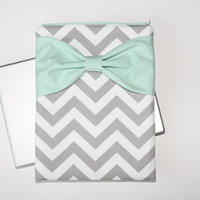 MacBook Pro / Air Case, Laptop Sleeve - Gray and White Chevron Stripes with Mint Bow - Double Padded