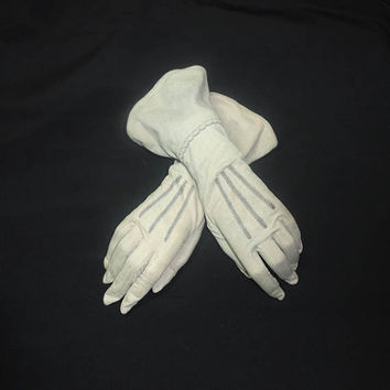 1960s Vintage Lady's Fashion Gauntlet Gloves in Gray, Snap Closure, Embroidery Details, Cotton Blend, Costume, Dress Up, Drama, Halloween