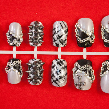 Spiked Fierce Girl - Black & Silver Studded Stud False/fake 3D Full Cute Biker girl Full Nails tips Set Punk Goth