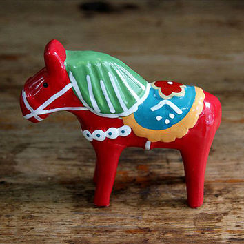 Ceramic Nordic Pony Ornaments, Birthday Gift, Home Decor, Resin with Painting