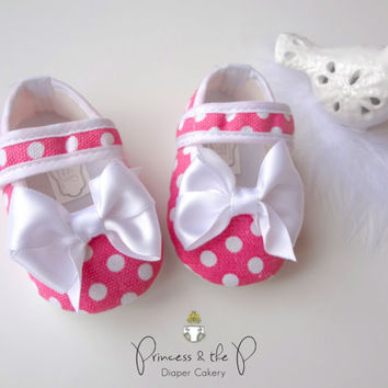 Baby Crib Shoes - Pink Polka Dot with White Satin Bow, Luxury Baby shoes, Baby Easter Shoes, 1st birthday, photo prop, baby gift