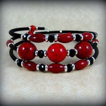 Red and Black Bangle Wrap Bracelet - Red Coral and Black Bangle Bracelet - Red Coral with Black Glass Beads Bracelet  - Memory Wire Bracelet