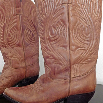 Vintage Guess Light Brown Leather Cowboy Boots // Small Heel // Worn In // Size 7