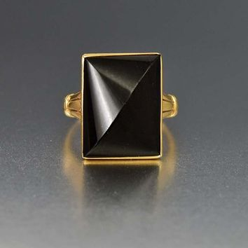 Distinctive Gold and Black Onyx Art Deco Ring