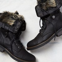 AEO Women's Lined Pull-down Boot (Black)