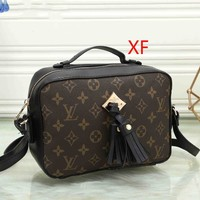 LV Ssaintonge 2019 new female color matching old flower tassel camera bag shoulder diagonal package #1