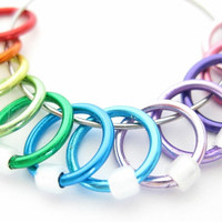 Large Rainbow Stitch markers | Stitchmarkers for knitting | Seam free stitch markers | Knitting gift | white beads | #0458