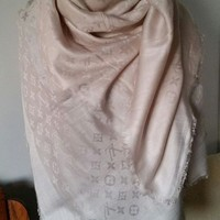 DCCK2JE BNWT Louis vuitton wool/silk off white shawl scarf