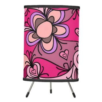 Cute hearts and flowers pattern tripod lamp