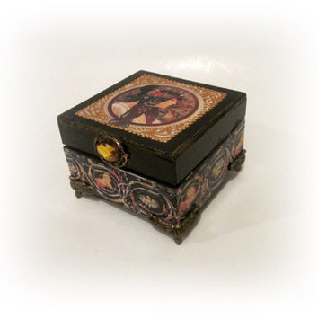 Art Nouveau Trinket Box Alphonse Mucha Jewelry Box Zodiac Ring Box Gift for Girlfriend Maid of Honor Gift Bridesmaid Wood Decoupage Box