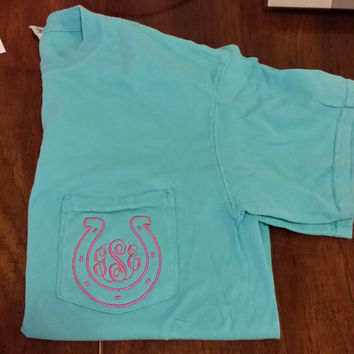 Short Sleeve Comfort Color Monogrammed Pocket Tees With Horseshoe