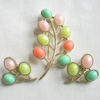 Vintage Pink, Blue, Green and Coral Plastic Cabochon Candy Land Brooch and Earrings Demi Parure Set by SARAH COVENTRY