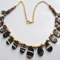 Antique Yemeni Necklace with Banded Agate and Gold Gilt Silver Beads