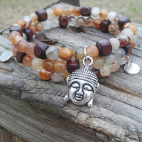 agate memory wire bracelet. Natural agate jewelry. Orange agate  bracelet. Boho beaded bracelet. Budda charm bracelet. Gift for her.